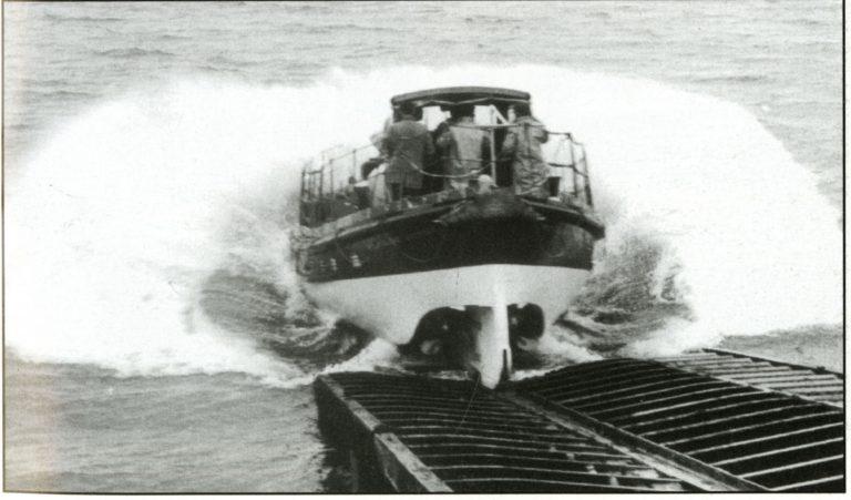 RNLB Gertrude final launch from Holy Island